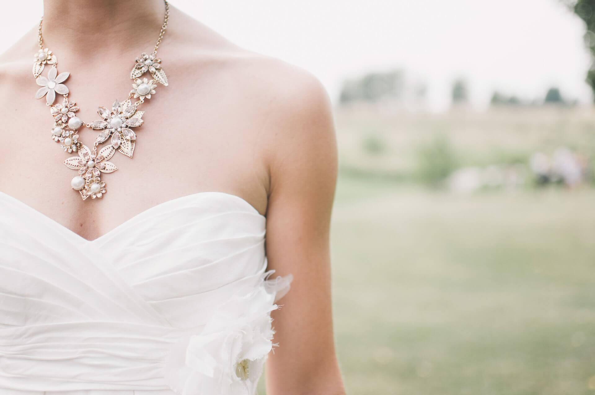 Heiraten mit über 40: Worauf späte Mädchen achten sollten - AVINIA