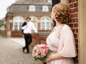 Ein Hauch von Farbe: Brautkleidtrend Pastelltöne