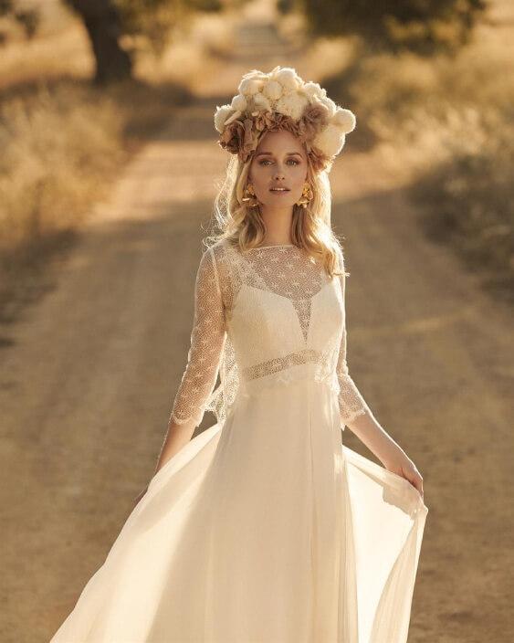 Hippie-Braut mit Blumenkranz