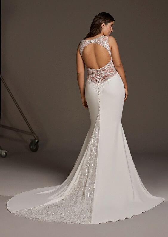 Meerjungfrau Brautkleid mit raffinierten Rücken und schlichter Schleppe